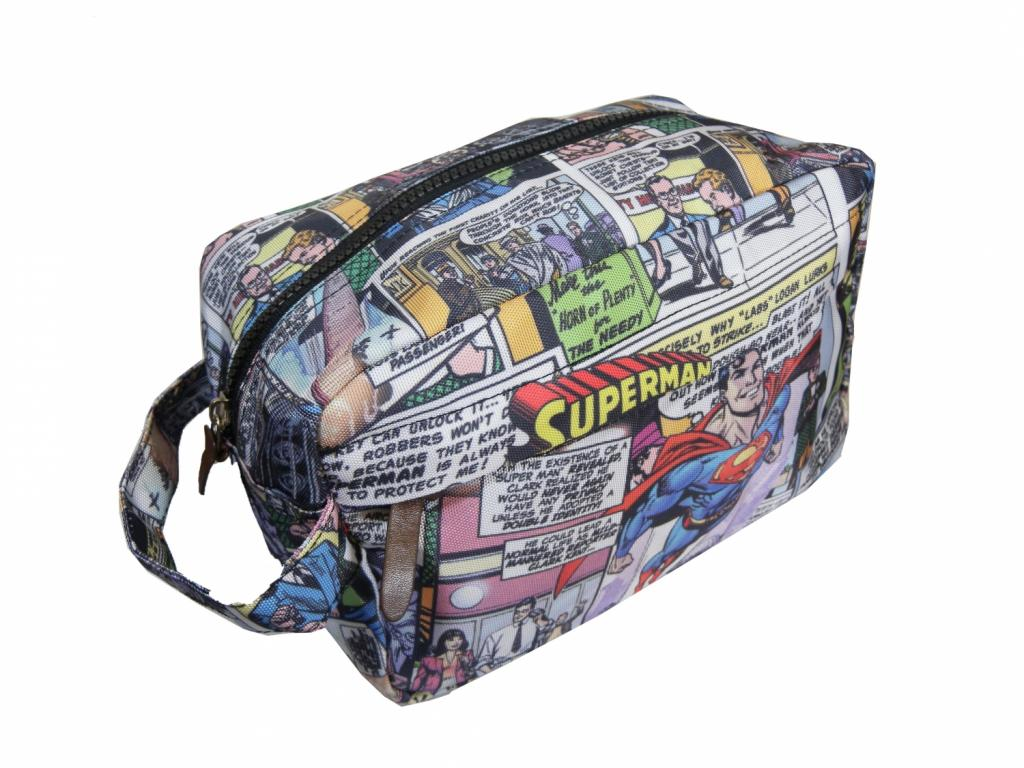 SUPERMAN - WASH BAG - Superman Flys_2