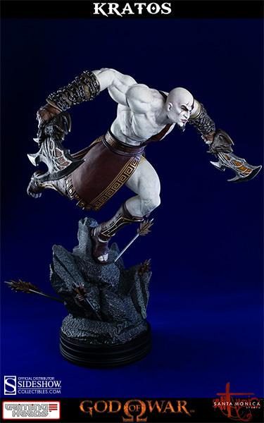 GOD OF WAR - Lunging Kratos 1/4 Scale Statue - 1500 ex
