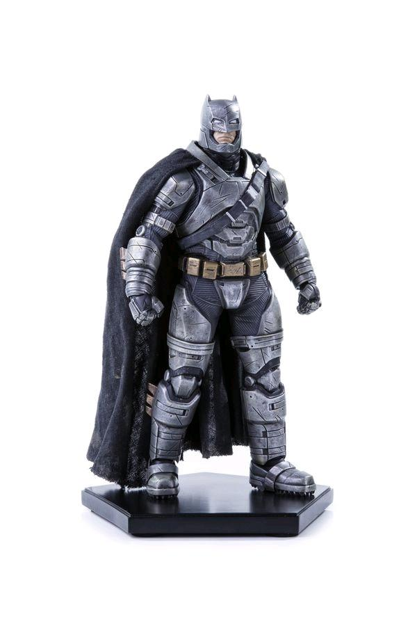 BATMAN VS SUPERMAN - Statue - Armored Batman - 20cm