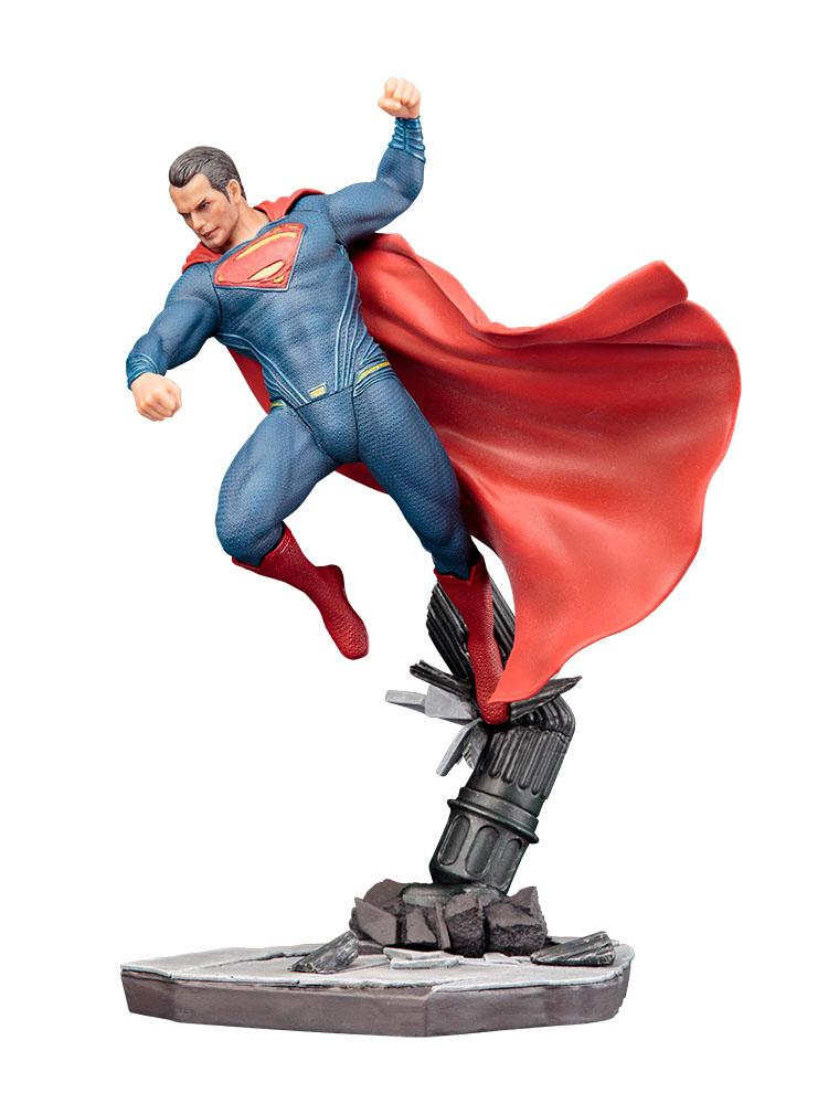 BATMAN VS SUPERMAN - Dawn of Justice 1/2 - Superman ARTFX 1/10 - 25cm