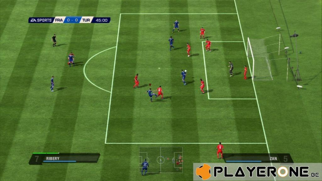 FIFA 11 (PLATINUM)_6