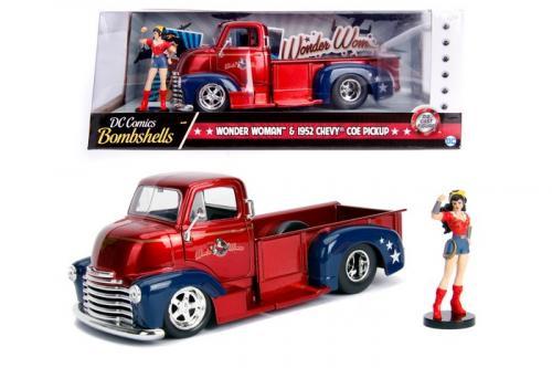 DC COMICS - Bombshells Wonder Woman 1952 Chevy Coe Pickup - 1:24