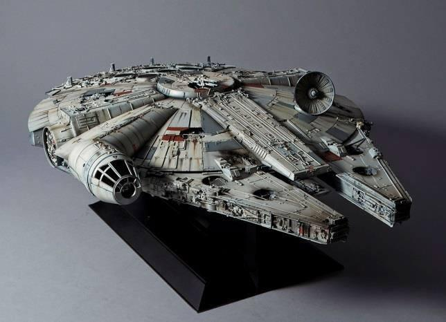 STAR WARS - Model Kit Perfect Grade - Millenium Falcon - 48cm