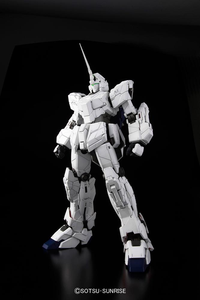GUNDAM - Model Kit - PG Unicorn RX-0 1/60_3