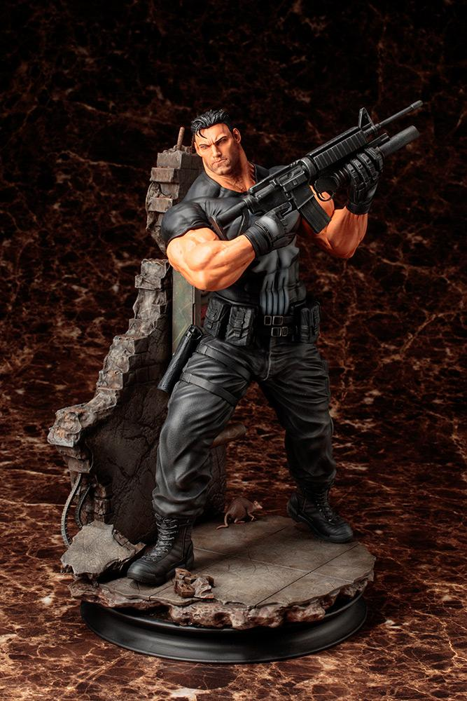 MARVEL - The Punisher 1/6 Scale Fine Art Statue - 30cm