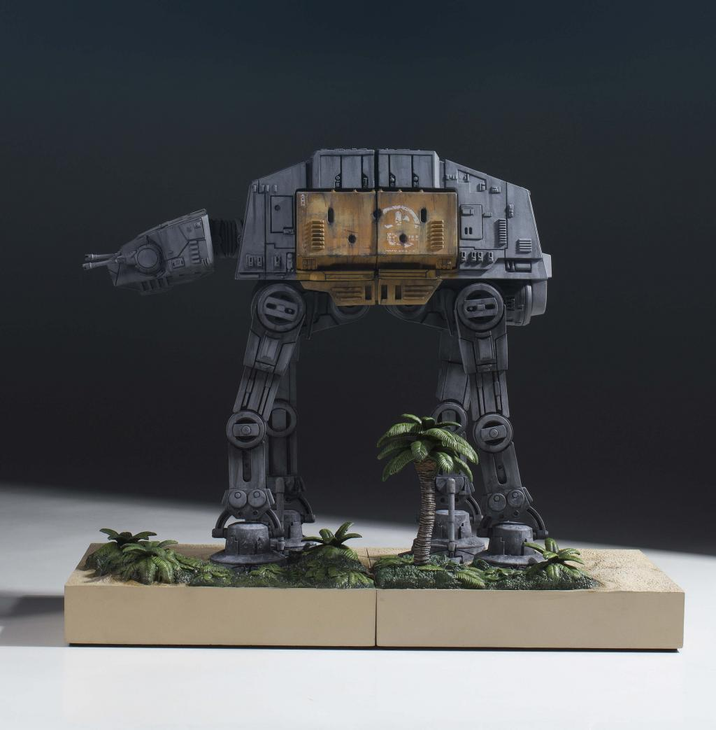 STAR WARS - Imperial AT-ACT Walker Bookend - 30cm