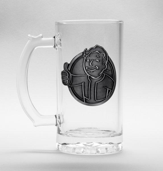 FALLOUT - Beer Glass 500ml Metal Badge - Vault Boy