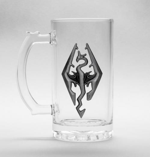 SKYRIM - Beer Glass 500ml Metal Badge - Dragon Symbol