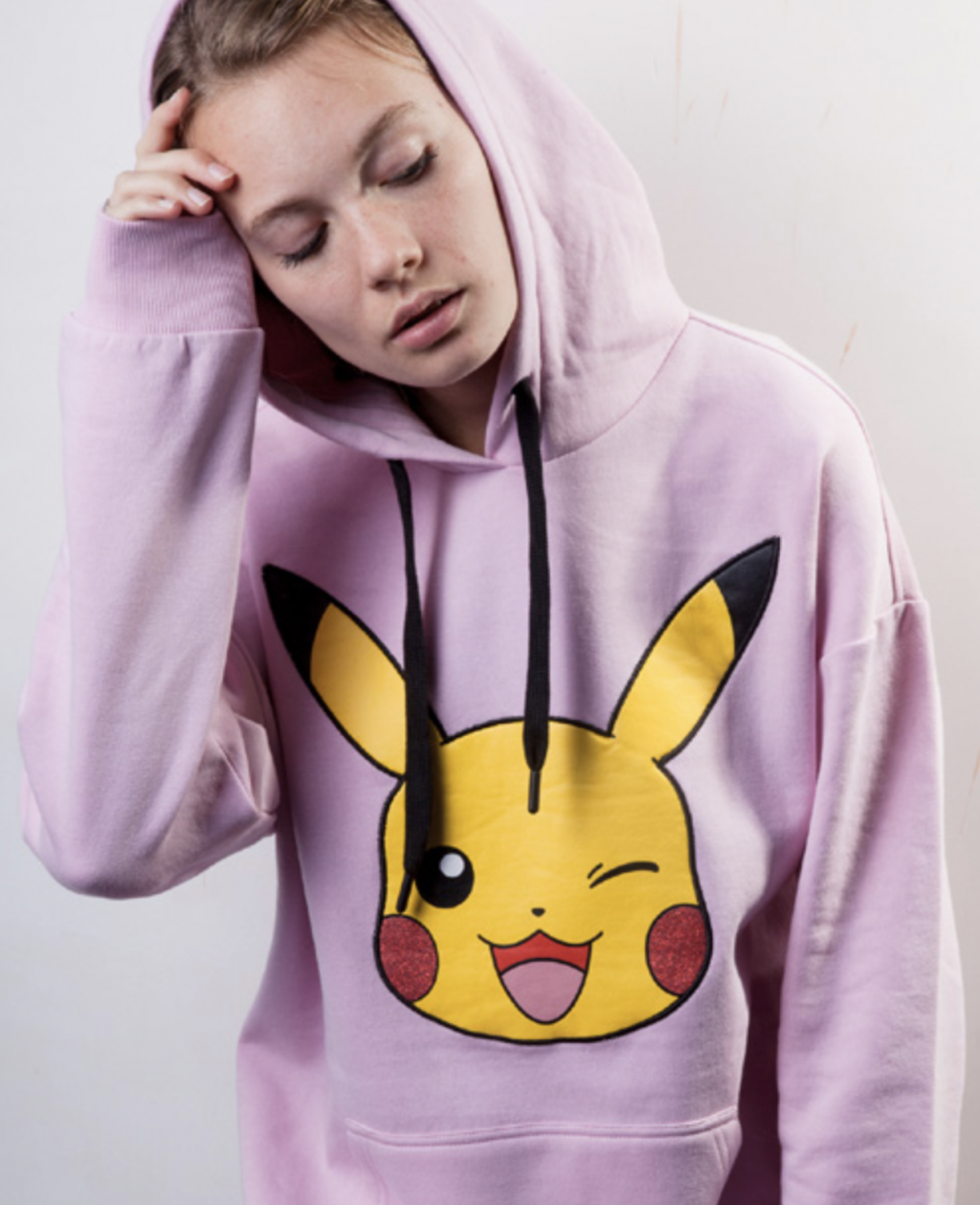 POKEMON - Women's Sweatshirt - Pikachu (L)_1