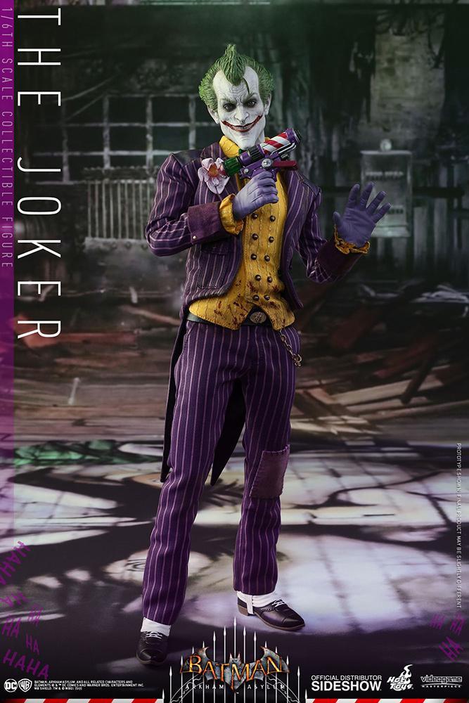 BATMAN ARKHAM ASYLUM - Joker Action Figure - 30cm