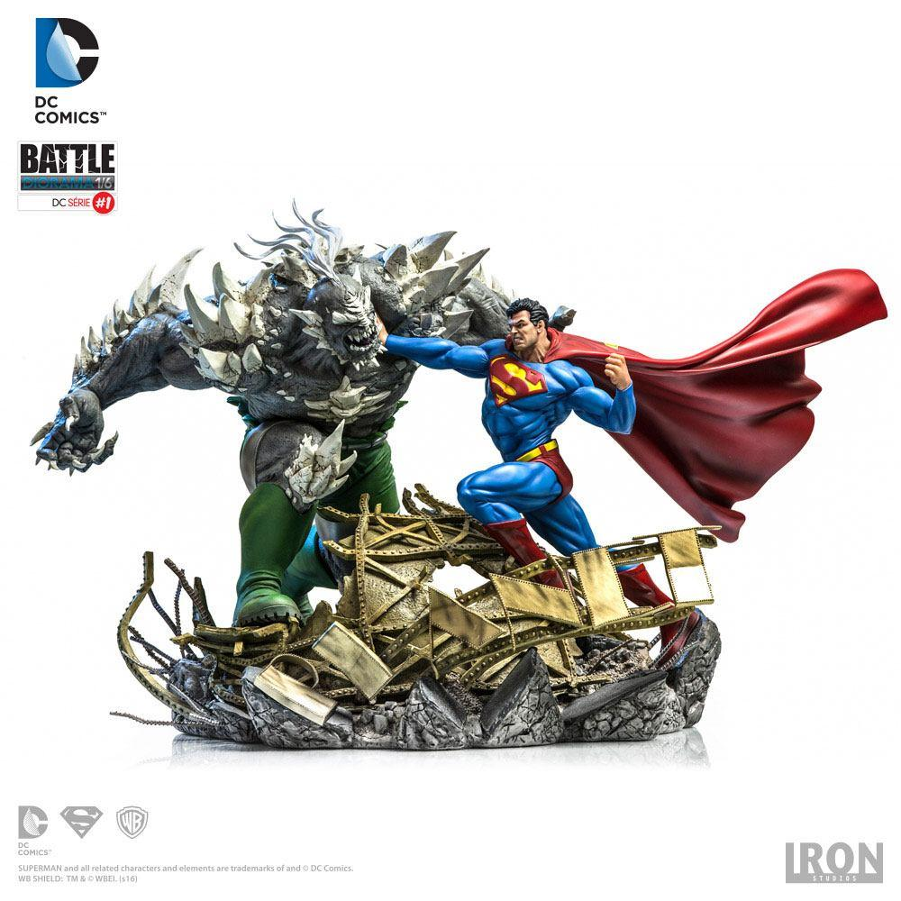 DC COMICS - Superman Vs Doomsday 1/6 Diorama