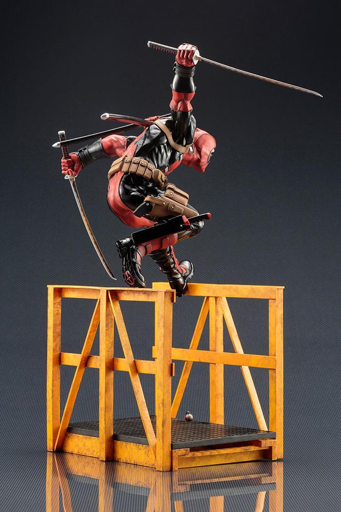 MARVEL NOW - Super Deadpool Statue - 32cm_4