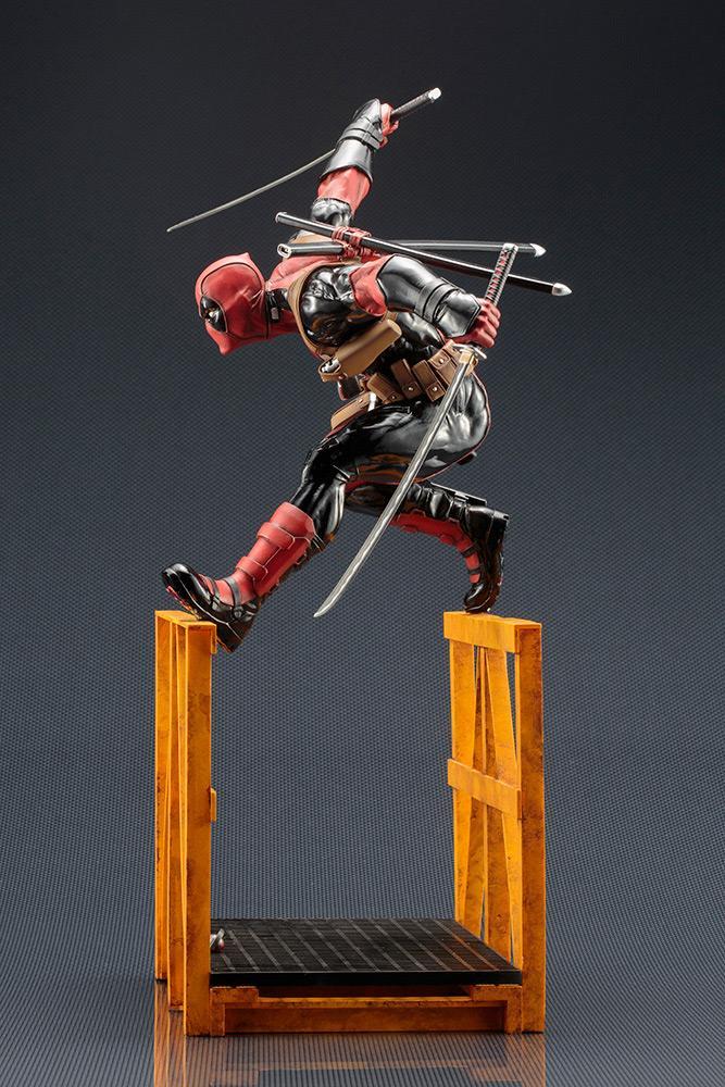 MARVEL NOW - Super Deadpool Statue - 32cm_6
