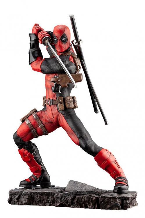 MARVEL - Deadpool Maximum Fine Art Statue - 30cm