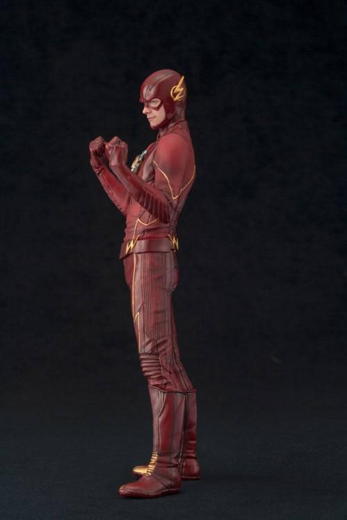 DC COMICS - PVC ARTFX 1/10 - Statuette The Flash - 19cm