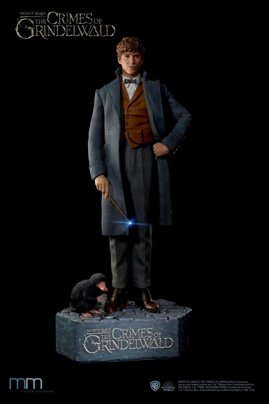 FANTASTIC BEASTS - Newt with Niffler Life-Sized Statue - 220cm