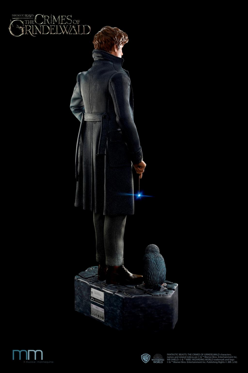 FANTASTIC BEASTS - Newt with Niffler Life-Sized Statue - 220cm_4