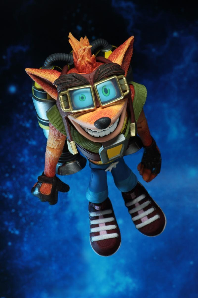 CRASH BANDICOOT - Deluxe Crash with Jetpack  Figure - 18cm
