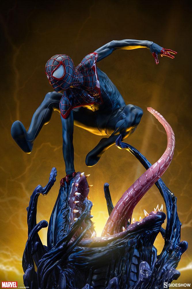 MARVEL - Spider-man Premium Statue by Miles Morales - 44cm