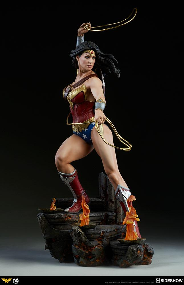 DC COMICS - Wonder Woman Premium Statue - 56cm