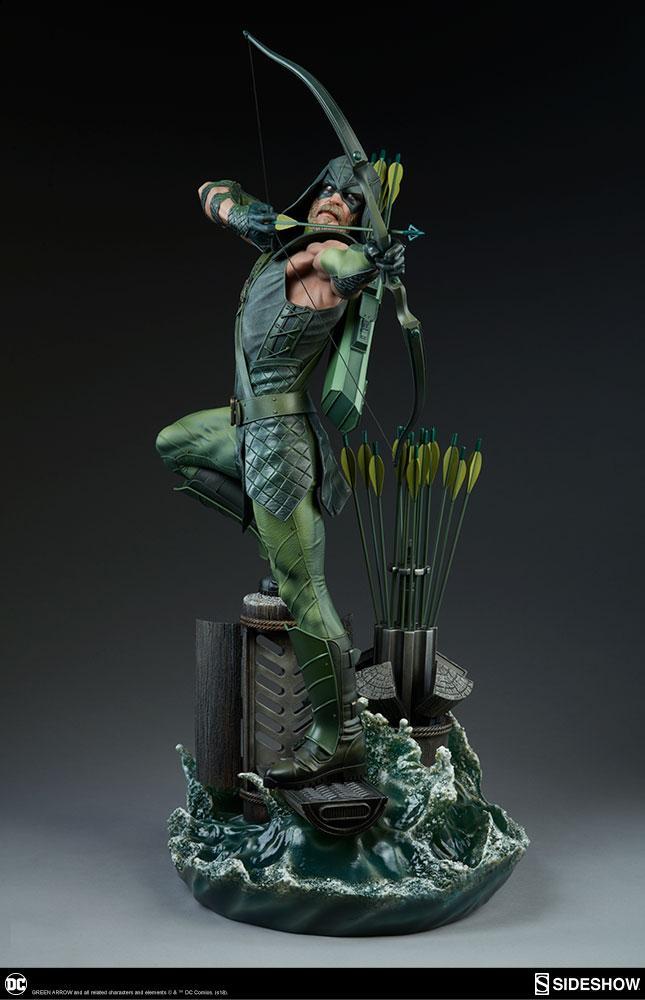 DC COMICS - Premium Format Figure - Green Arrow - 62cm